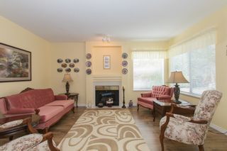 Photo 5: 412 13900 HYLAND ROAD in Surrey: East Newton Townhouse for sale : MLS®# R2112905