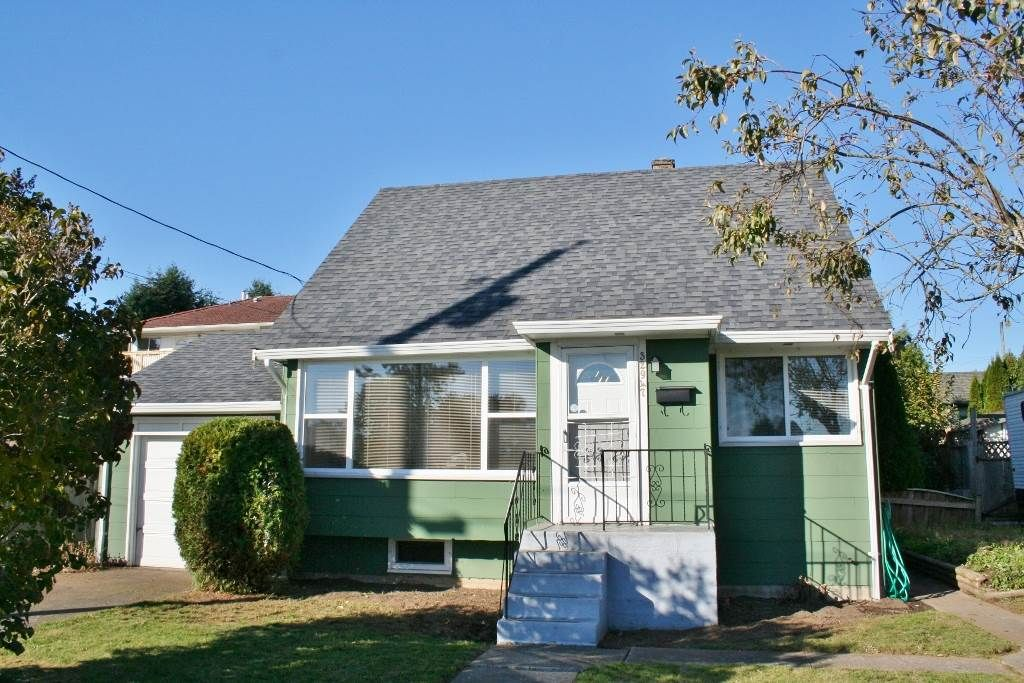 Main Photo: 32947 9TH Avenue in Mission: Mission BC House for sale : MLS®# R2116847