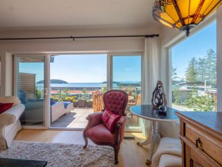 "Photo 2: 5392 WAKEFIELD BEACH LANE Lane in Sechelt: Sechelt District Townhouse for sale in ""WAKEFIELD BEACH"" (Sunshine Coast)  : MLS®# R2351351"
