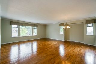 """Photo 4: 6165 NORTHPARK Place in Surrey: Panorama Ridge House for sale in """"Boundary Park"""" : MLS®# R2381145"""