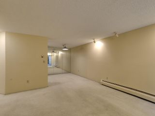 """Photo 7: 111 2320 W 40TH Avenue in Vancouver: Kerrisdale Condo for sale in """"Manor Gardens"""" (Vancouver West)  : MLS®# R2546363"""