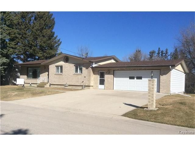 Main Photo: 15 1st: Residential for sale (R17)  : MLS®# 1705648