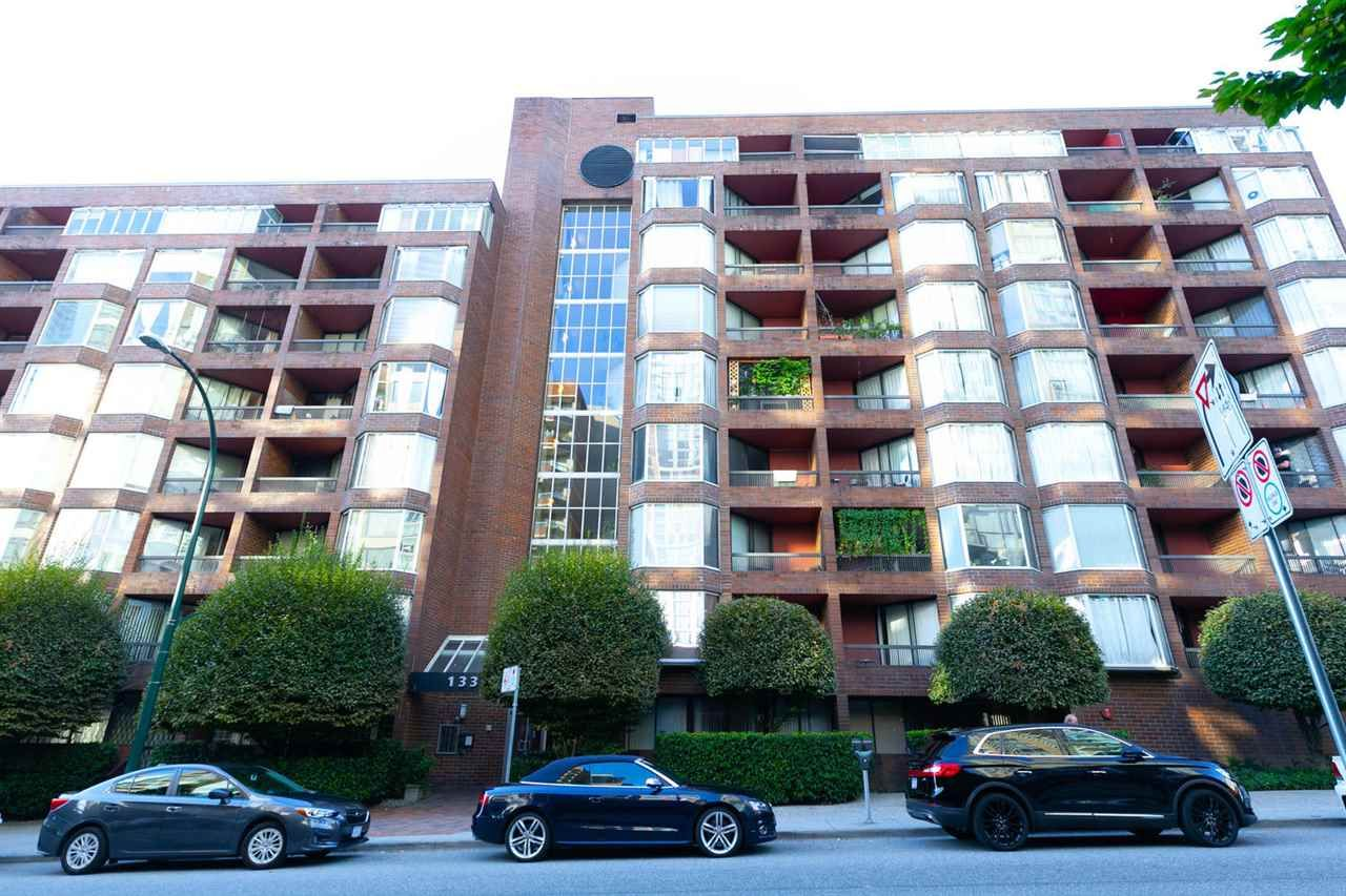 Main Photo: 712 1333 HORNBY STREET in : Downtown VW Condo for sale : MLS®# R2306654