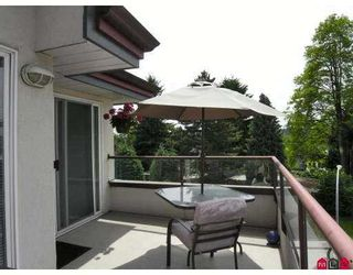 "Photo 10: 403 2526 LAKEVIEW Crescent in Abbotsford: Central Abbotsford Condo for sale in ""MILL SPRING MANNER"" : MLS®# F2716887"