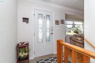 Photo 7: 704 Brookridge Pl in VICTORIA: SW Northridge House for sale (Saanich West)  : MLS®# 811584