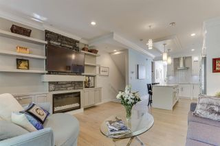 """Photo 3: 3 15118 THRIFT Avenue: White Rock Townhouse for sale in """"Camden Corners"""" (South Surrey White Rock)  : MLS®# R2512558"""