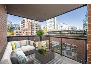 """Photo 14: 3E 199 DRAKE Street in Vancouver: Yaletown Condo for sale in """"CONCORDIA 1"""" (Vancouver West)  : MLS®# R2610392"""