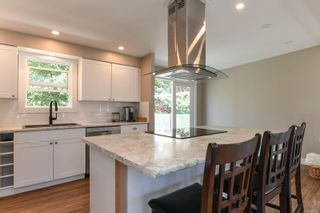 Photo 5: 381 Denman St in : CV Comox (Town of) House for sale (Comox Valley)  : MLS®# 858909