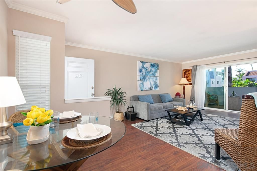 Main Photo: PACIFIC BEACH Condo for sale : 1 bedrooms : 1401 Reed #20 in San Diego