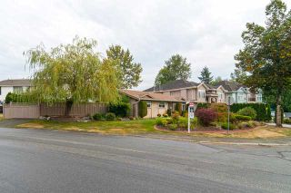 Photo 2: 13527 BRYAN PL in Surrey: Queen Mary Park Surrey House for sale : MLS®# F1423128