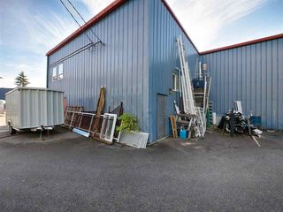 Photo 3: 103 1873 COSYAN Place in Sechelt: Sechelt District Industrial for sale (Sunshine Coast)  : MLS®# C8028321