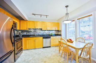 Photo 3: 678 Regal Park NE in Calgary: Renfrew Row/Townhouse for sale : MLS®# A1103366