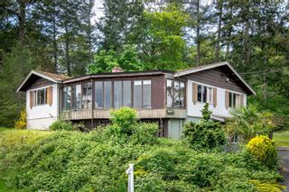 Photo 19: 3976 Wilkinson Rd in : SW Strawberry Vale House for sale (Saanich West)  : MLS®# 875160
