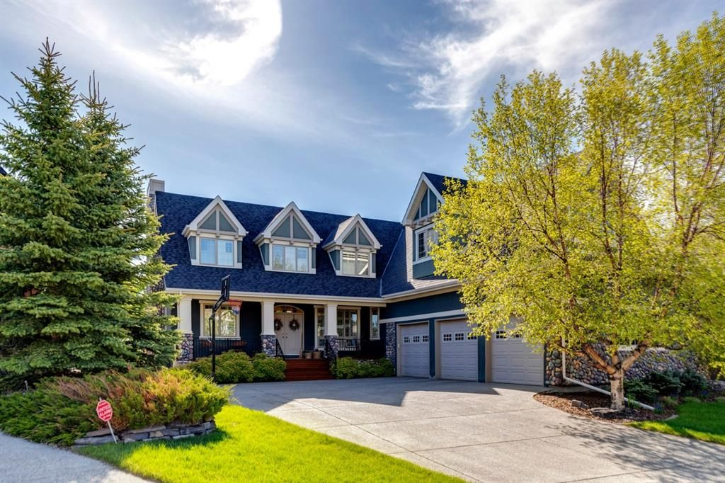 Main Photo: 220 Aspen Meadows Place SW in Calgary: Aspen Woods Detached for sale : MLS®# A1115123