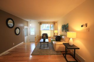 Photo 3: 512 Cote Avenue in St Pierre-Jolys: R17 Residential for sale : MLS®# 1924763