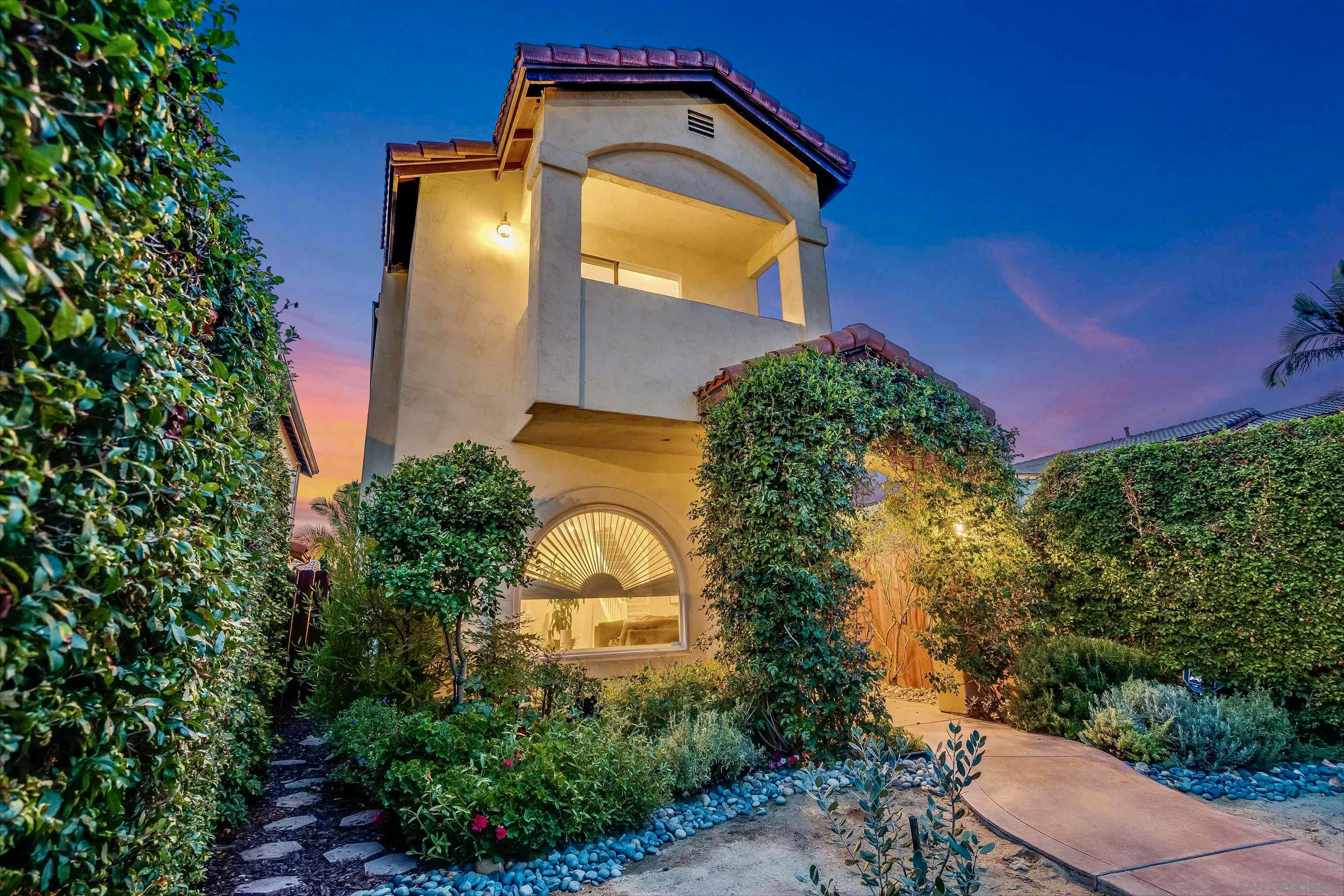 Main Photo: TALMADGE House for sale : 3 bedrooms : 4578 Altadena Ave in San Diego