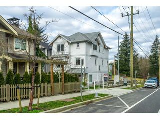 """Photo 2: 20 4295 OLD CLAYBURN Road in Abbotsford: Abbotsford East House for sale in """"SUNSPRING ESTATES"""" : MLS®# R2533947"""