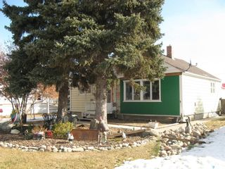Photo 2: 309 1st Street East in Kyle: Residential for sale : MLS®# SK846189