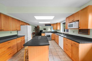 Photo 5: 7681 BARRYMORE Drive in Delta: Nordel House for sale (N. Delta)  : MLS®# R2613211