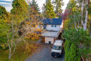 Photo 2: 13970 MALABAR Avenue: White Rock House for sale (South Surrey White Rock)  : MLS®# R2409019