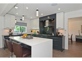"""Photo 8: 598 W 24TH Avenue in Vancouver: Cambie House for sale in """"DOUGLAS PARK"""" (Vancouver West)  : MLS®# V1125988"""