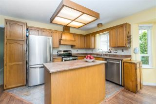 """Photo 11: 14230 20 Avenue in Surrey: Sunnyside Park Surrey House for sale in """"Sunnyside"""" (South Surrey White Rock)  : MLS®# R2499825"""