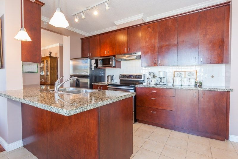 """Photo 3: Photos: 306 1551 FOSTER Street: White Rock Condo for sale in """"Sussex House"""" (South Surrey White Rock)  : MLS®# R2170329"""