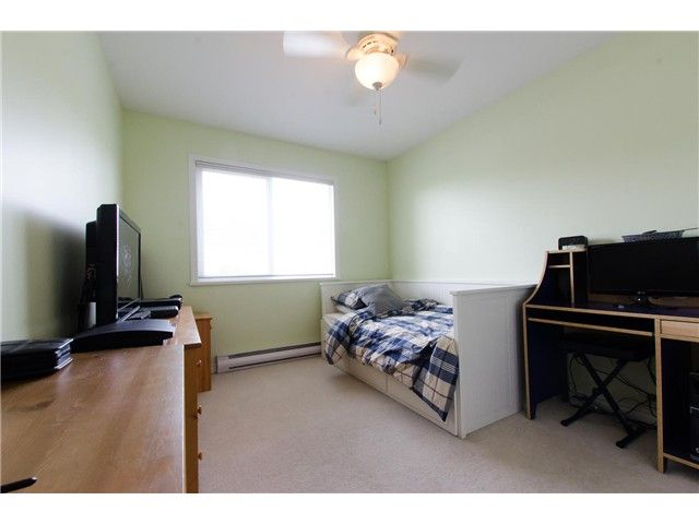 """Photo 16: Photos: 7548 147A Street in Surrey: East Newton House for sale in """"Chimney Heights"""" : MLS®# F1440395"""
