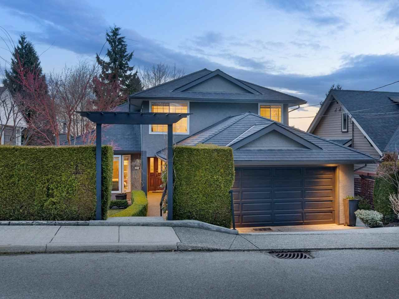 Main Photo: 167 W ST. JAMES Road in North Vancouver: Upper Lonsdale House for sale : MLS®# R2551883