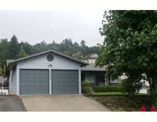 """Photo 1: 35477 STAFFORD Place in Abbotsford: Abbotsford East House for sale in """"DELAIR"""" : MLS®# F2905227"""