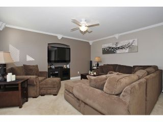 Photo 5: 6849 184A Street in Surrey: Cloverdale BC House for sale (Cloverdale)  : MLS®# F1400810