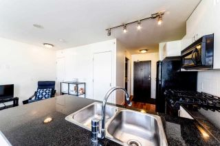 Photo 9: 906 151 W 2ND STREET in North Vancouver: Lower Lonsdale Condo for sale : MLS®# R2332933