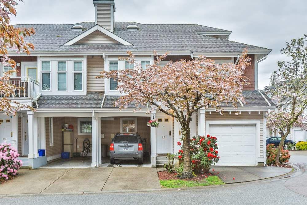 "Main Photo: 26 9036 208 Street in Langley: Walnut Grove Townhouse for sale in ""Hunter's Glen"" : MLS®# R2159058"