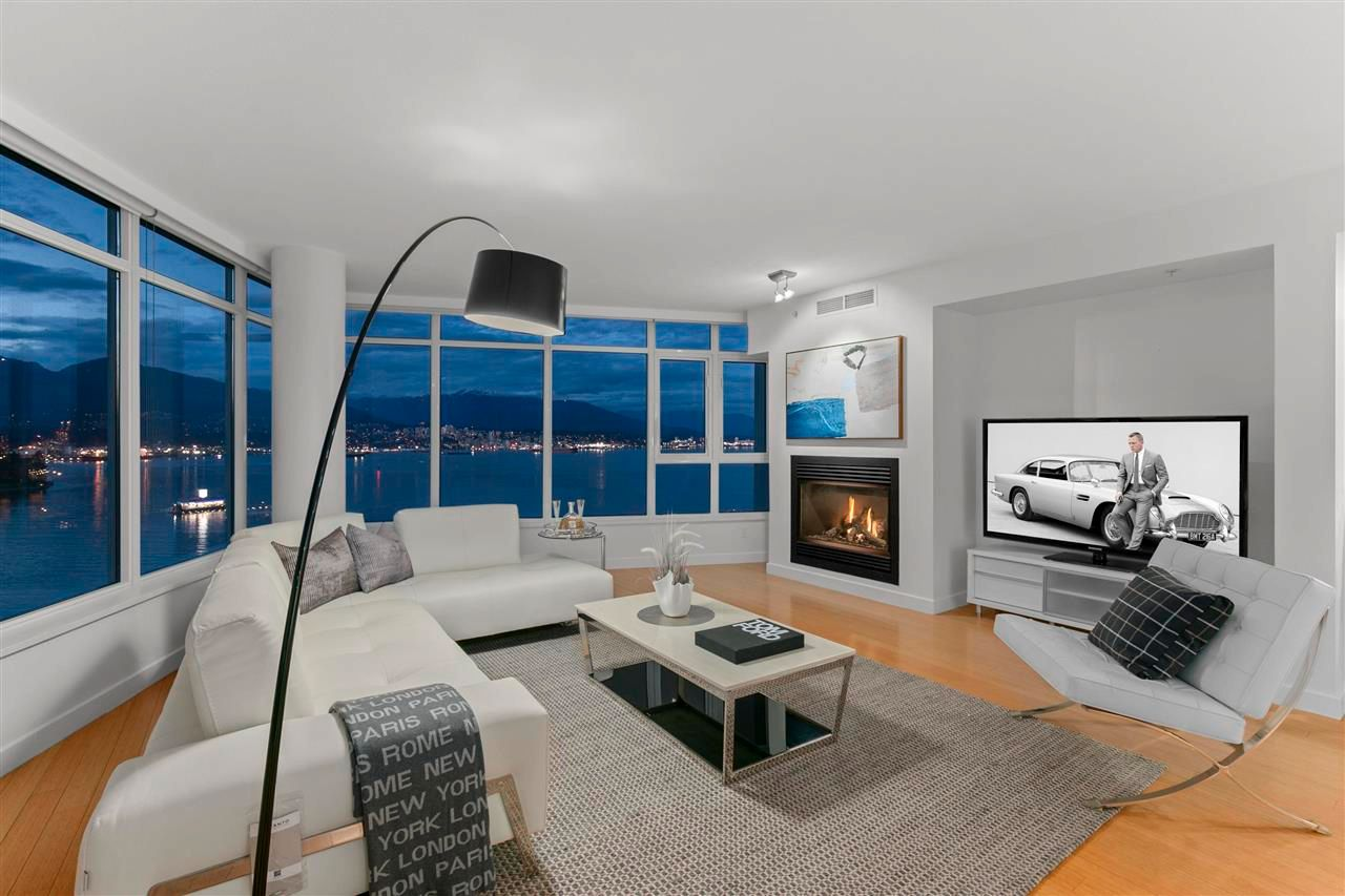 """Main Photo: 1601 1233 W CORDOVA Street in Vancouver: Coal Harbour Condo for sale in """"CARINA"""" (Vancouver West)  : MLS®# R2574209"""
