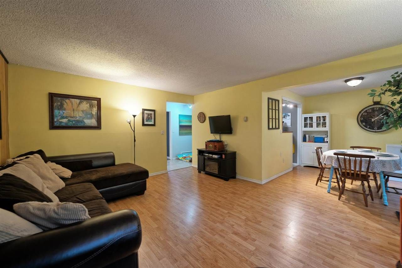 "Main Photo: 859 WESTVIEW Crescent in North Vancouver: Upper Lonsdale Condo for sale in ""Cypress Gardens"" : MLS®# R2255255"
