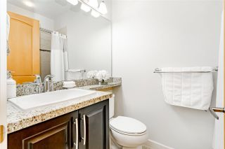 """Photo 15: 44 8068 207 Street in Langley: Willoughby Heights Townhouse for sale in """"Willoughby"""" : MLS®# R2410149"""