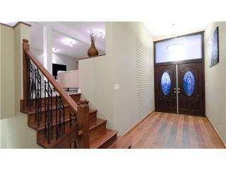 Photo 2: 99 BONNYMUIR DR in West Vancouver: Glenmore House for sale : MLS®# V931888