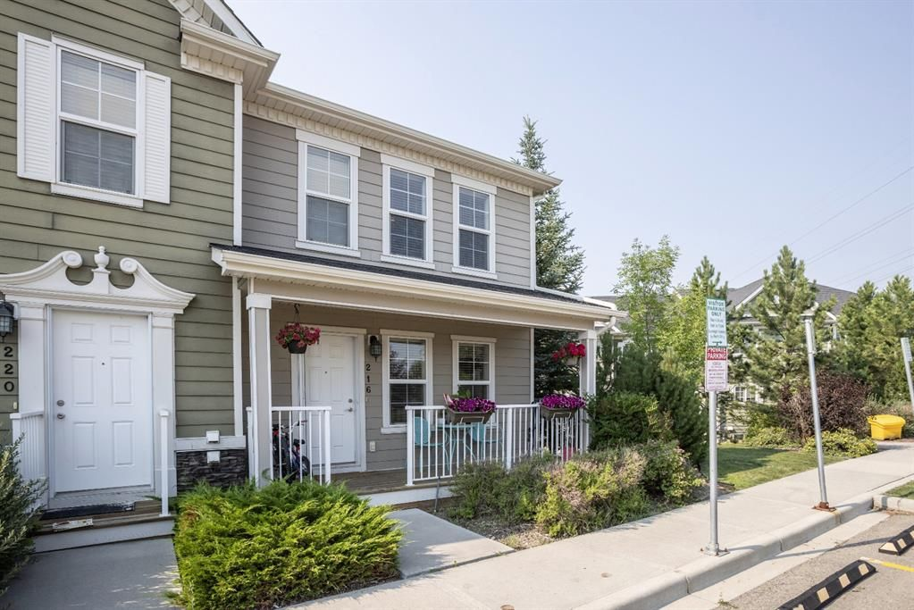 Main Photo: 216 Cascades Pass: Chestermere Row/Townhouse for sale : MLS®# A1133631