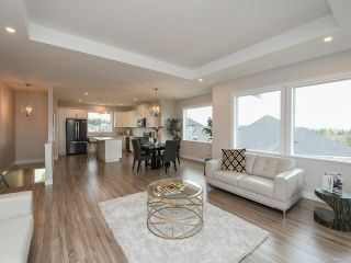 Photo 3: 4100 Chancellor Cres in COURTENAY: CV Courtenay City House for sale (Comox Valley)  : MLS®# 807975