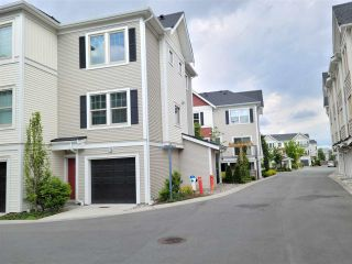 Photo 2: 122 32633 SIMON Avenue in Abbotsford: Abbotsford West Townhouse for sale : MLS®# R2585257