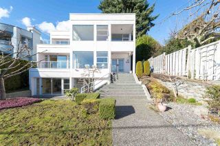 """Photo 2: 2125 LAWSON Avenue in West Vancouver: Dundarave House for sale in """"Dundarave"""" : MLS®# R2329676"""