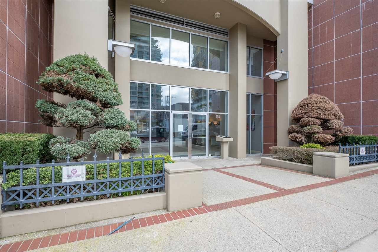 """Main Photo: 505 108 E 14TH Street in North Vancouver: Central Lonsdale Condo for sale in """"The Piermont"""" : MLS®# R2558448"""