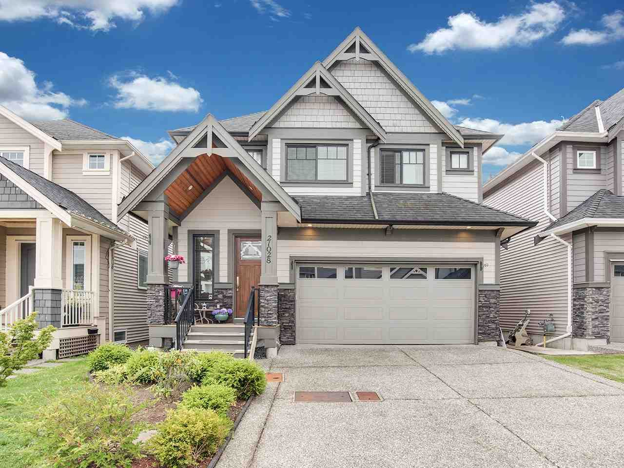 """Main Photo: 21028 76A Avenue in Langley: Willoughby Heights House for sale in """"Yorkson"""" : MLS®# R2387312"""