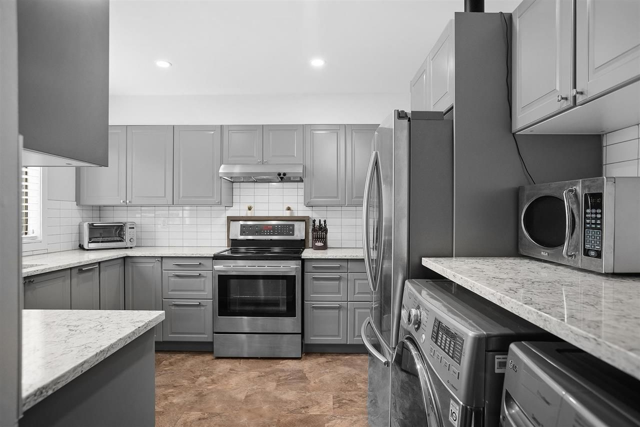 """Main Photo: 28 10751 MORTFIELD Road in Richmond: South Arm Townhouse for sale in """"CHELSEA PLACE"""" : MLS®# R2588040"""