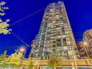 """Photo 1: 3107 928 BEATTY Street in Vancouver: Yaletown Condo for sale in """"THE MAX"""" (Vancouver West)  : MLS®# R2614370"""