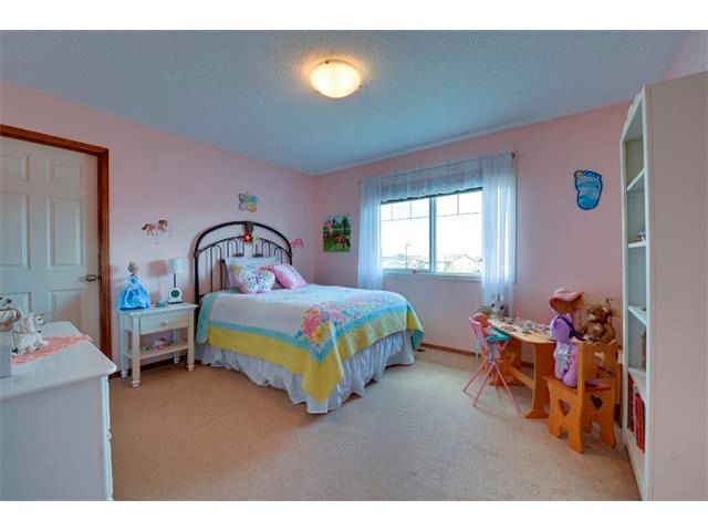 Photo 16: Photos: 21 MORNINGSIDE Bay SW: Airdrie House for sale : MLS®# C4011063