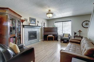 Photo 4: 690 Coventry Drive NE in Calgary: Coventry Hills Detached for sale : MLS®# A1144228
