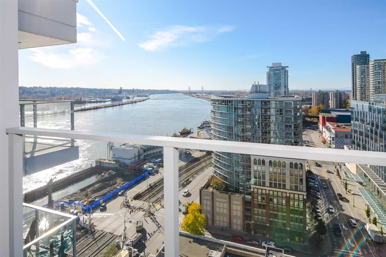 """Main Photo: 2002 668 COLUMBIA Street in New Westminster: Downtown NW Condo for sale in """"Trapp + Holbrook"""" : MLS®# R2419627"""