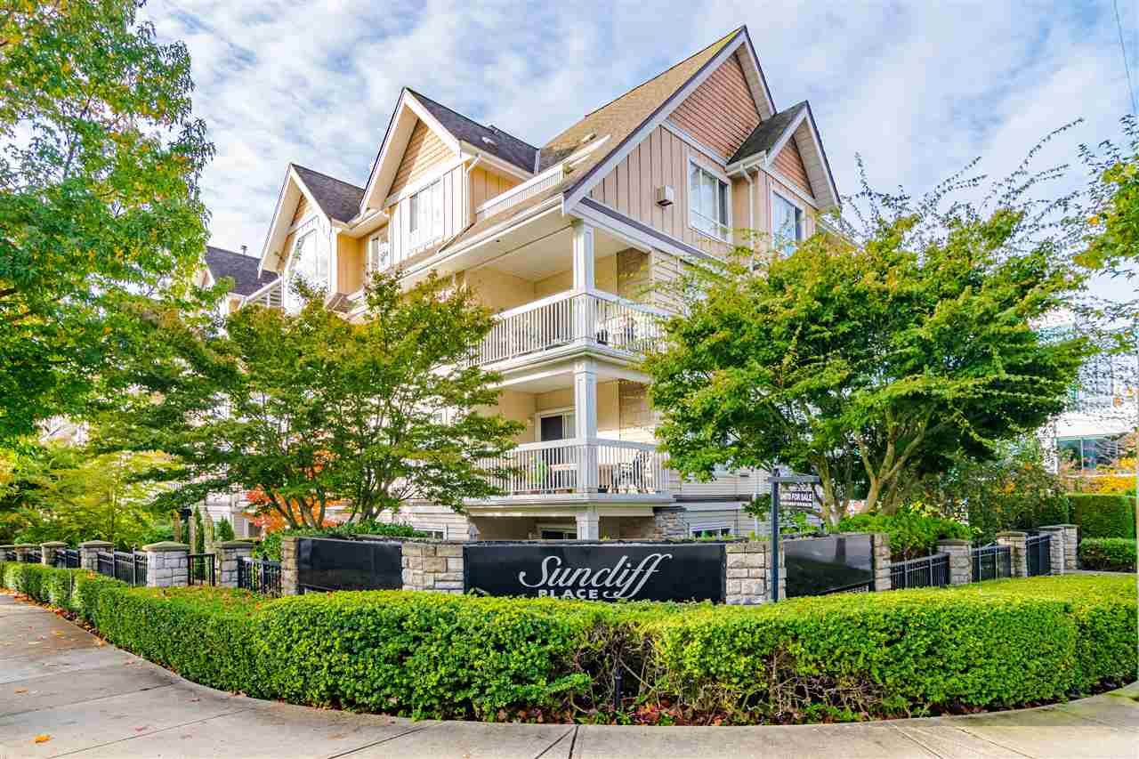 "Main Photo: 305 1685 152A Street in Surrey: King George Corridor Condo for sale in ""Suncliff Place"" (South Surrey White Rock)  : MLS®# R2541248"