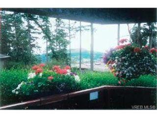 Photo 2: 203 940 Boulderwood Rise in VICTORIA: SE Broadmead Condo for sale (Saanich East)  : MLS®# 292160